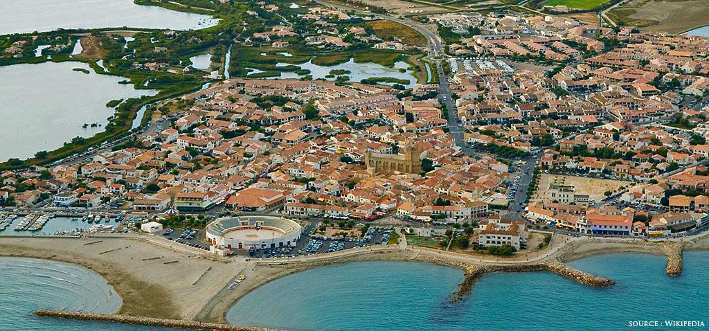 Les saintes maries de la mer petit port en camargue - Office du tourisme saintes marie de la mer ...