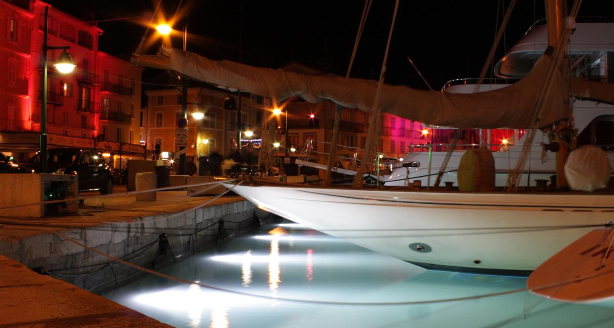 Port de Saint-Tropez, une nuit de Noël
