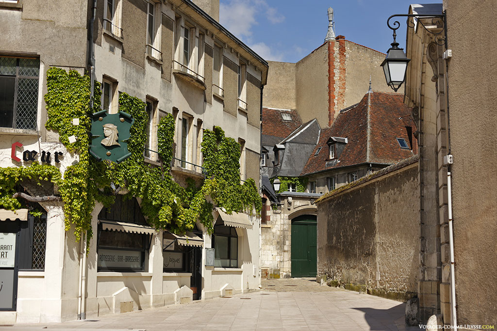 Détail de la place Jacques Coeur