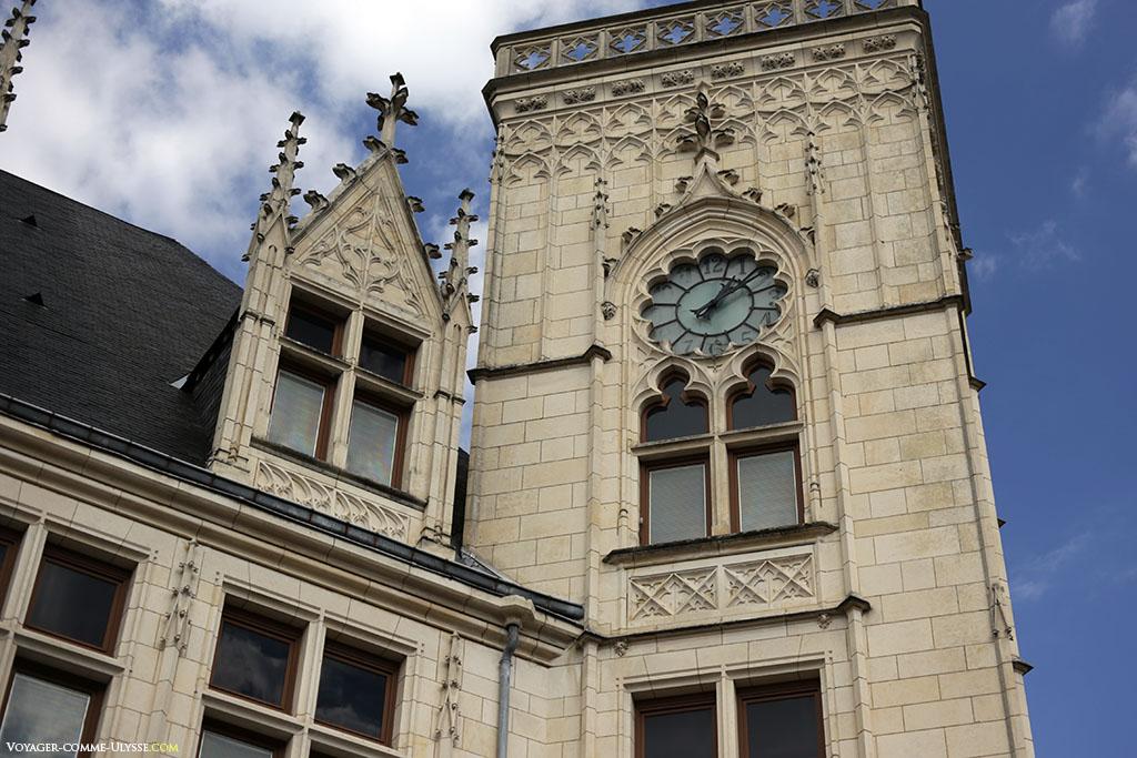 La Poste de Bourges, de style néogothique.
