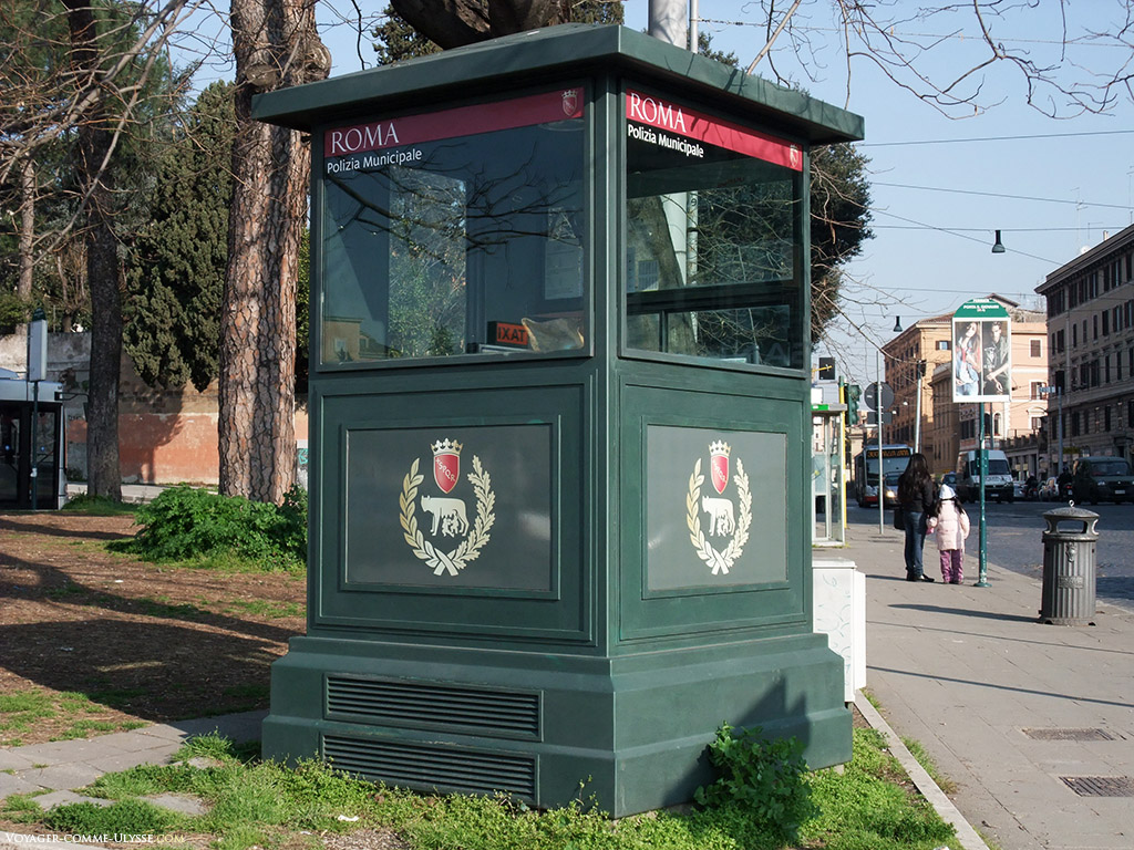 Guérite de la police municipale romaine