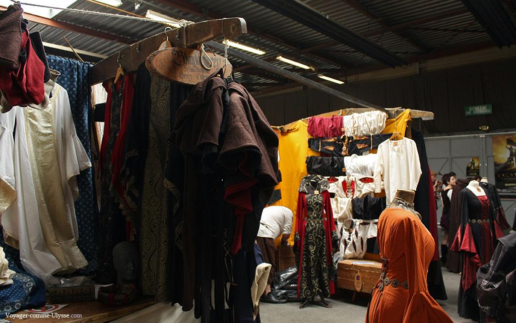 Stand de vêtements médiévaux