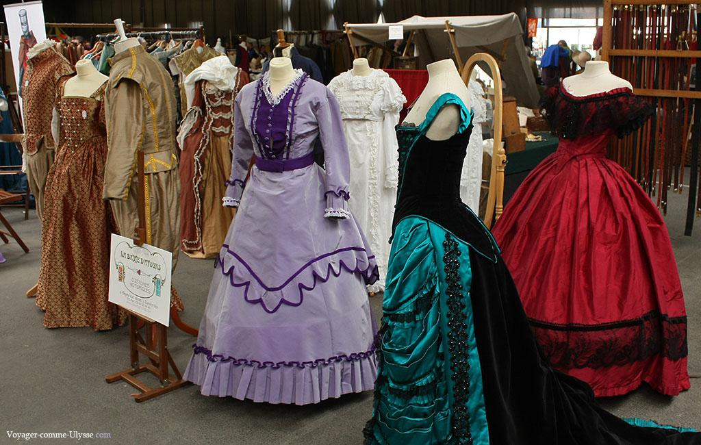 Quelques costumes, regroupant plusieurs époques.