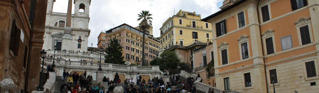 Place d'Espagne, lieu de rencontre des romains