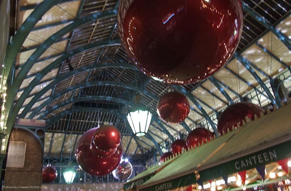 Le Jubilee Hall, décoré pour Noël. C'est ici le coeur de l'ancien marché de Covent Garden.