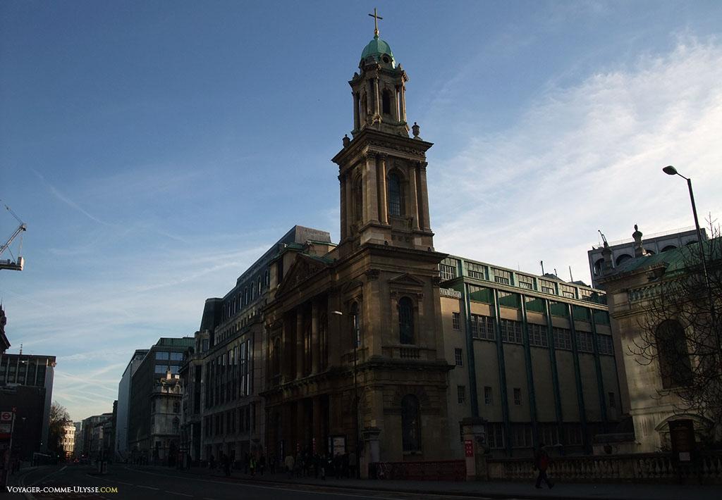 La City Temple, une église protestante libérale, sur le Holborn Viaduct.