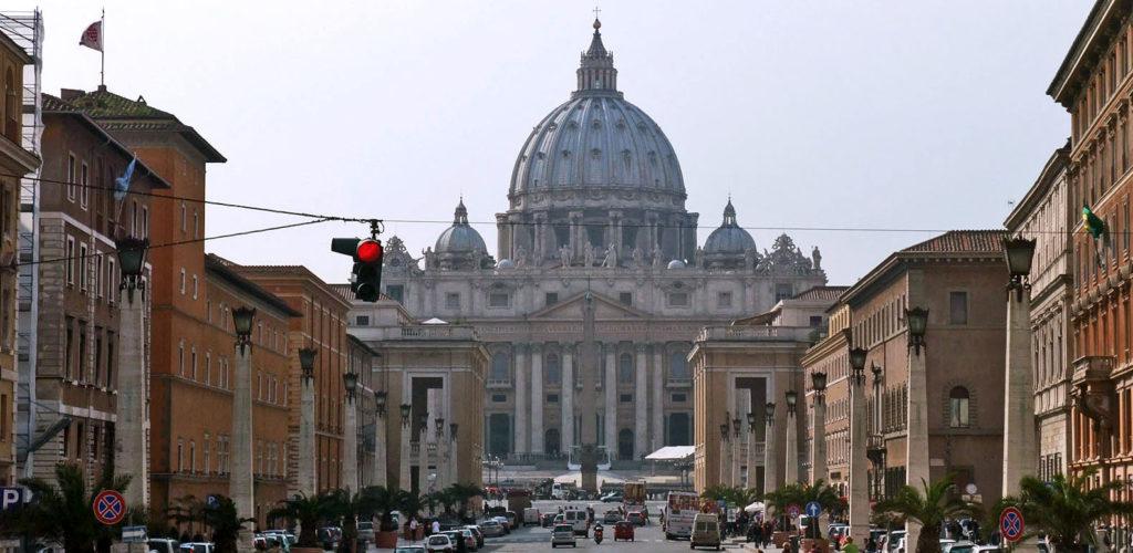 Basilique et Place Saint-Pierre de Rome