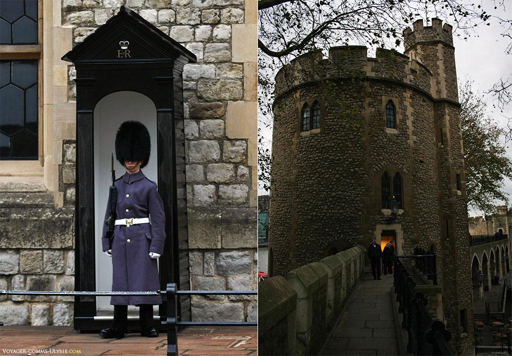 A gauche, un garde, avec le célèbre chapeau caractéristique. A droite, une des nombreuses tours de la forteresse.