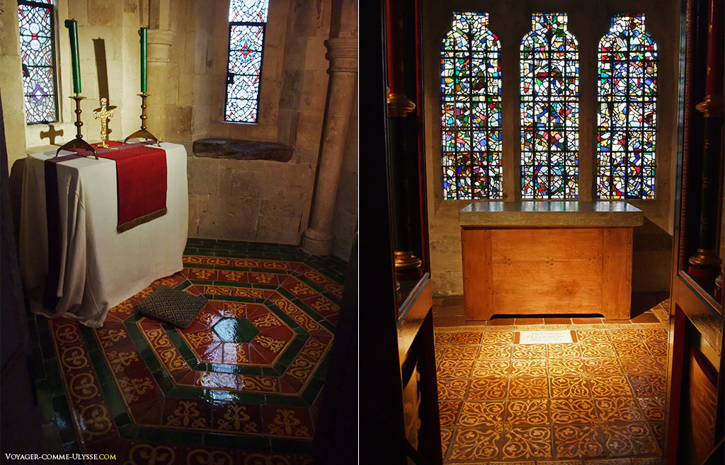 Deux chapelles privatives. Le sol est magnifique, avec ses motifs finement travaillés.