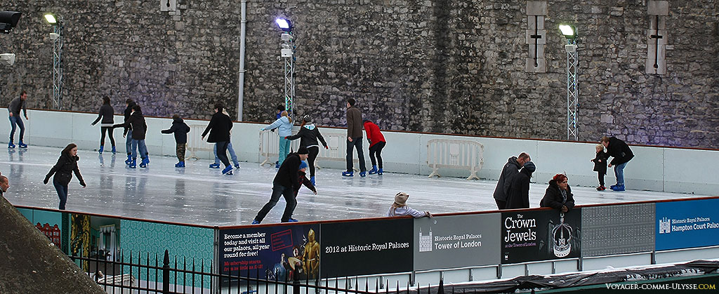 Le monument est toujours très fréquenté, y compris par les londoniens eux-mêmes, qui peuvent par exemple faire du patin à glace au pied des murailles en hiver.