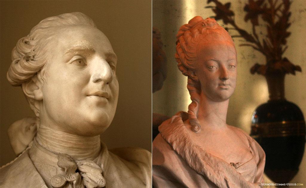 A gauche, buste de Louis XVI, à droite, de Marie-Antoinette.
