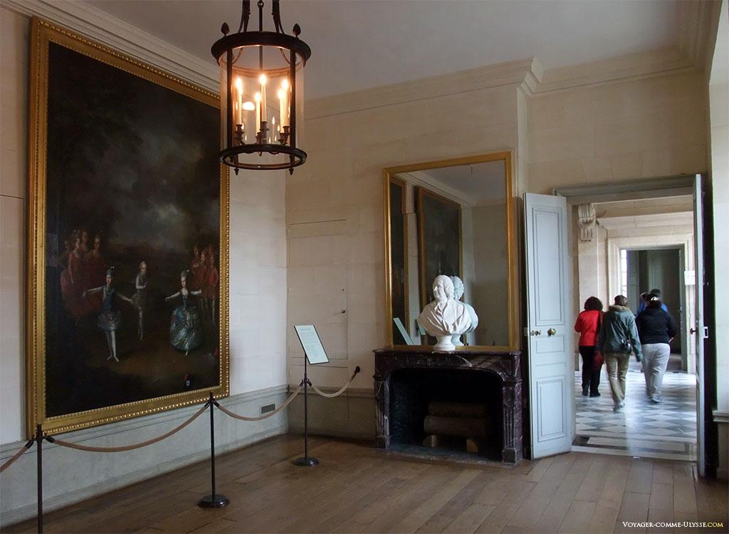 Une fois entrés dans le Petit Trianon, nous sommes dans la Salle des Gardes.