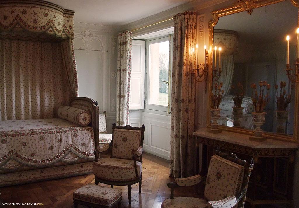 Chambre de la Reine. Le lit originel, disparu à la Révolution, n'a jamais été retrouvé.