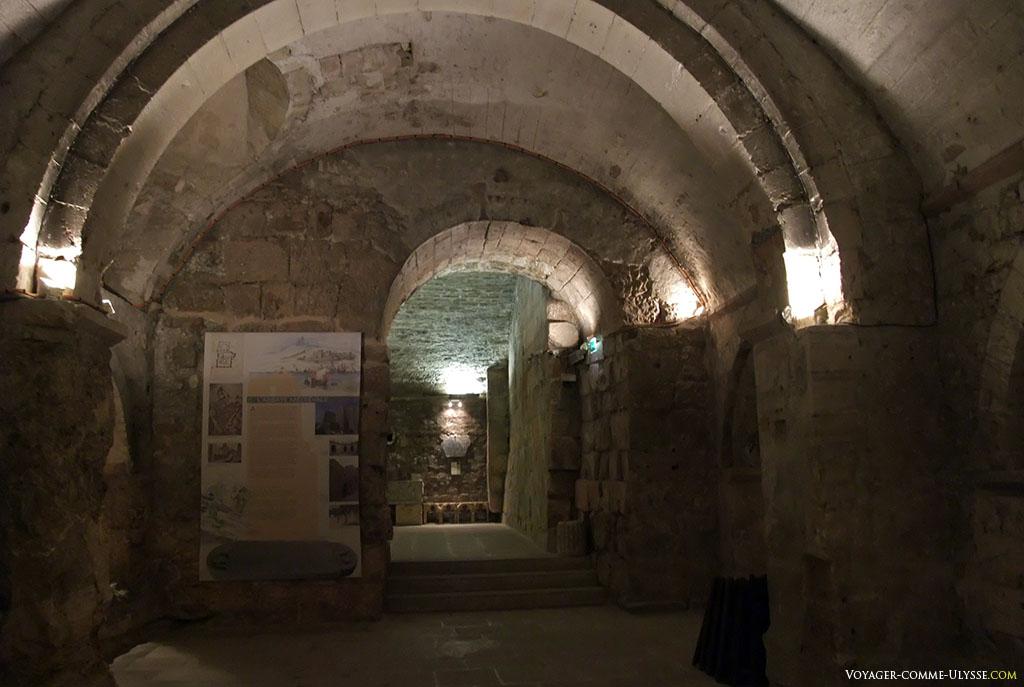 La crypte de Saint Victor.