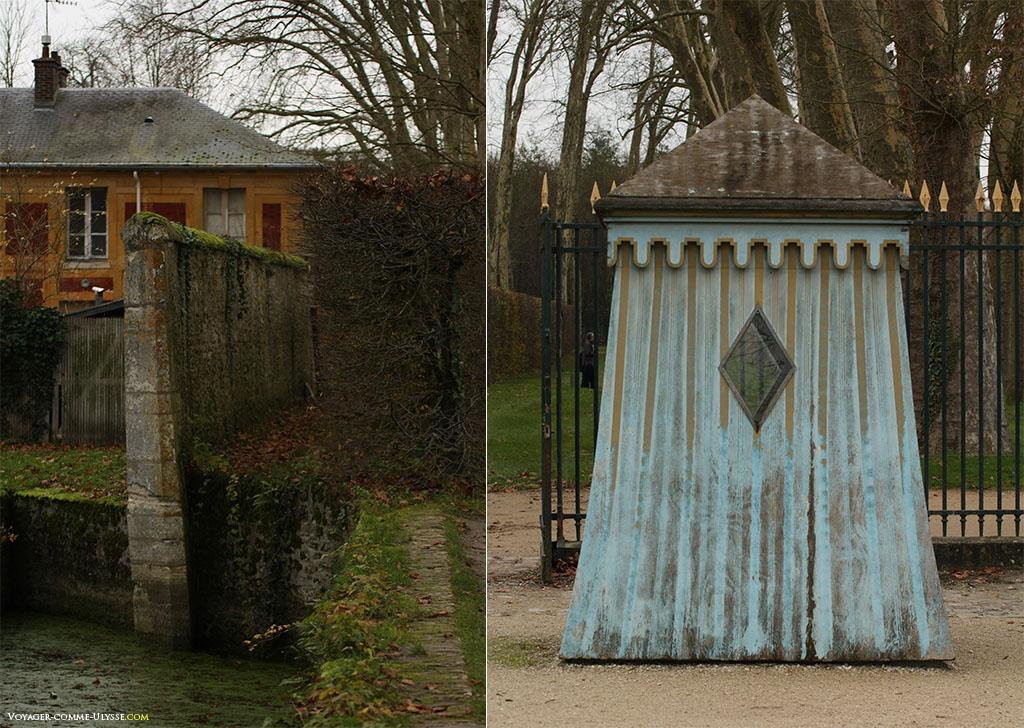 À esquerda, esta pequena vala que impede as pessoas de entrar e que permite desafogar a vista. À direita, uma portaria.
