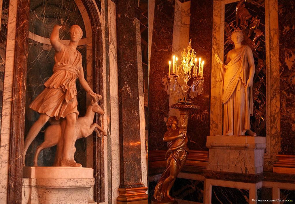 Deux statues majeures de la Galerie des Glaces : à gauche, la Diane de Versailles, ou plutôt, sa reproduction, et à droite, la muse Uranie.