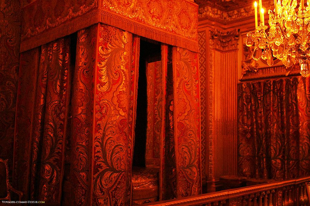 Quarto do Rei. Foi neste quarto que faleceu Luís XIV.