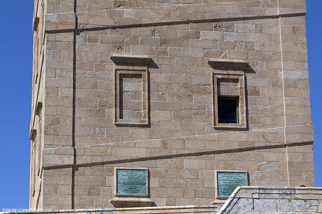 Le travail de restauration de Giannini est notable. Le style néoclassique conserve l'esprit romain de l'édifice.
