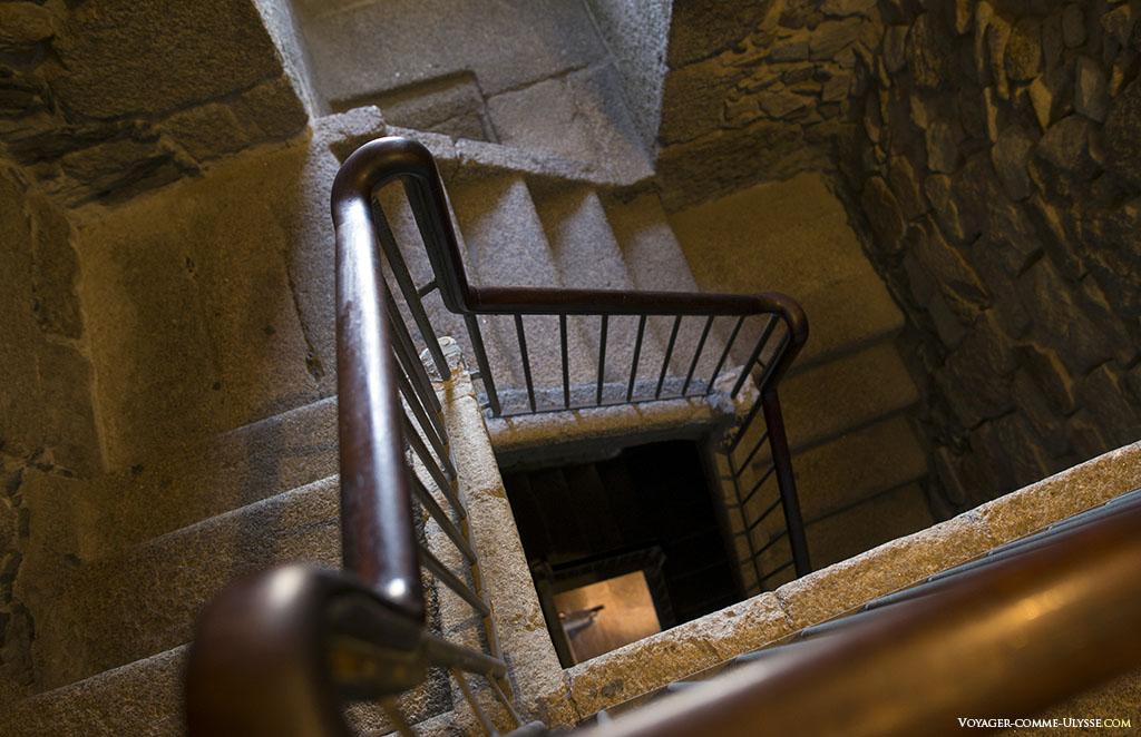 Escalier intérieur de la Tour d'Hercule.