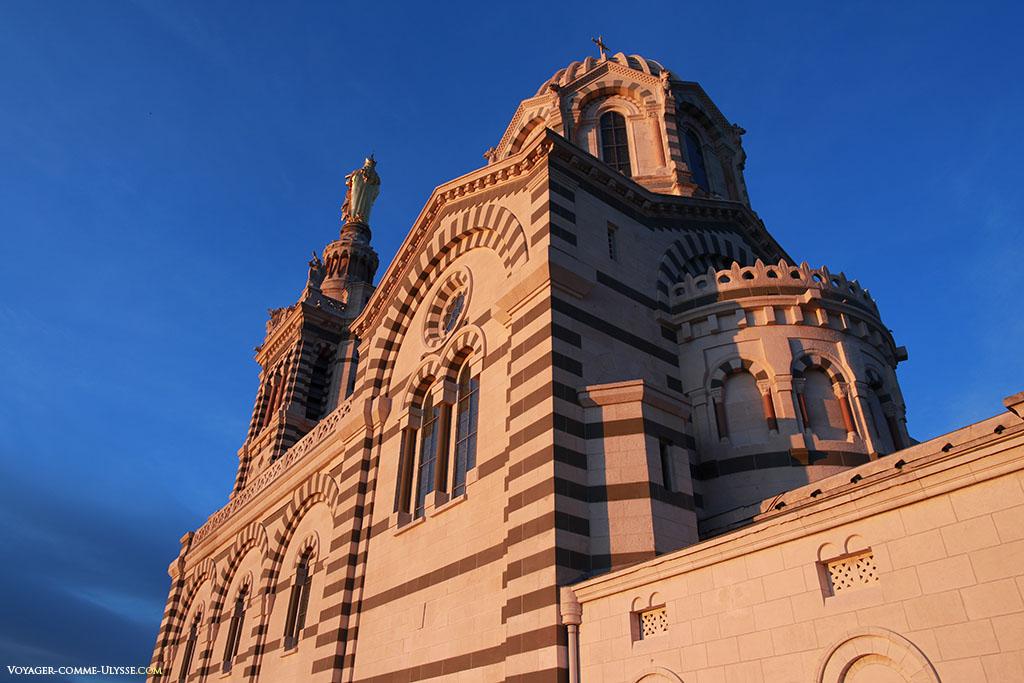 La basilique, vue de derrière.