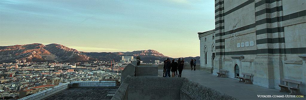 Ici eurent lieu d'âpres combats lors de la libération de Marseille en 1944.