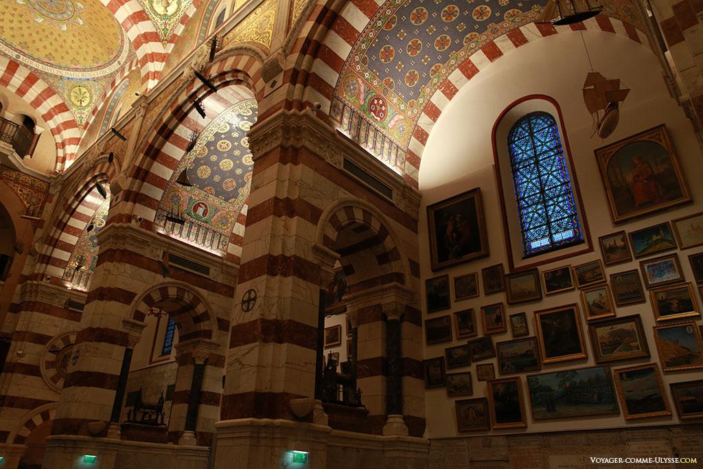 3 des 6 chapelles latérales de la basilique.