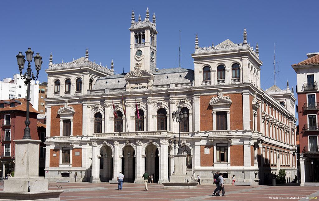 Ayuntamiento, l'Hôtel-de-Ville.