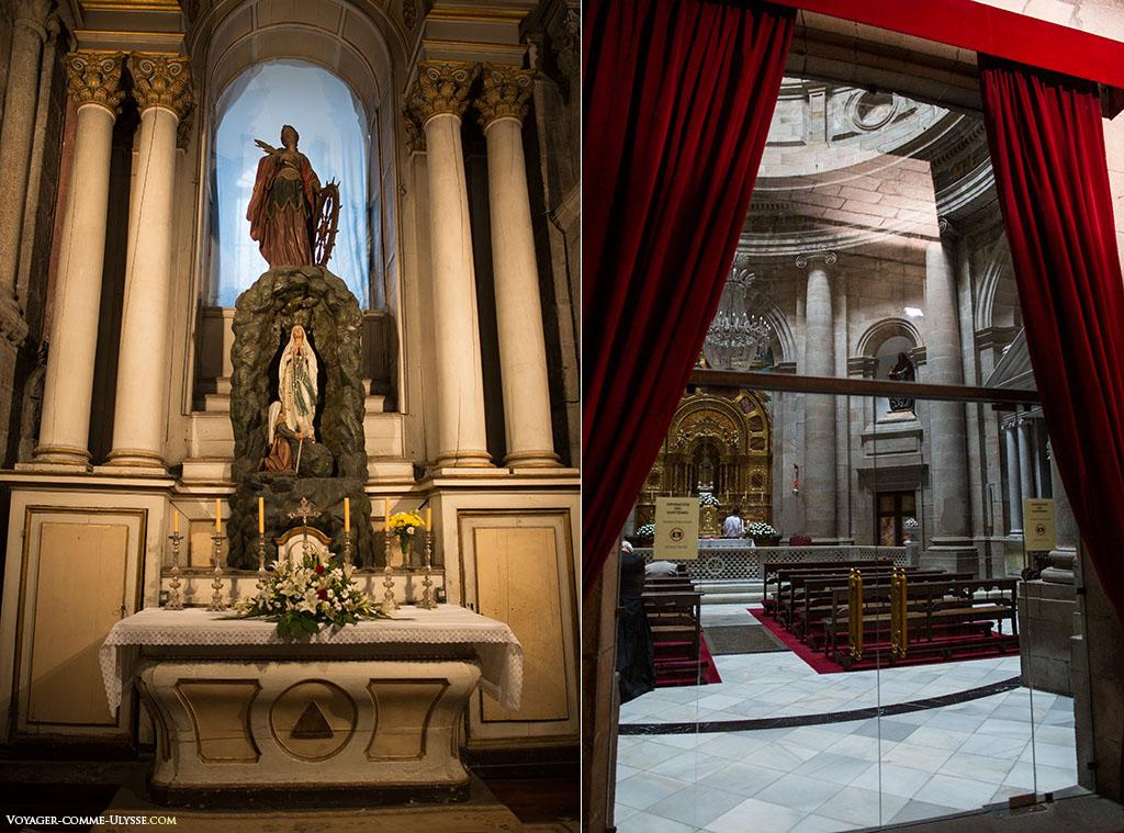 À esquerda, a Capela de Santa Catalina. À direita, a Capela da Comunhão.