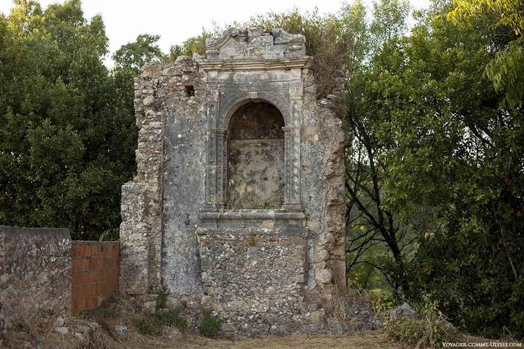 ancienne niche, rare vestige d'une chapelle.