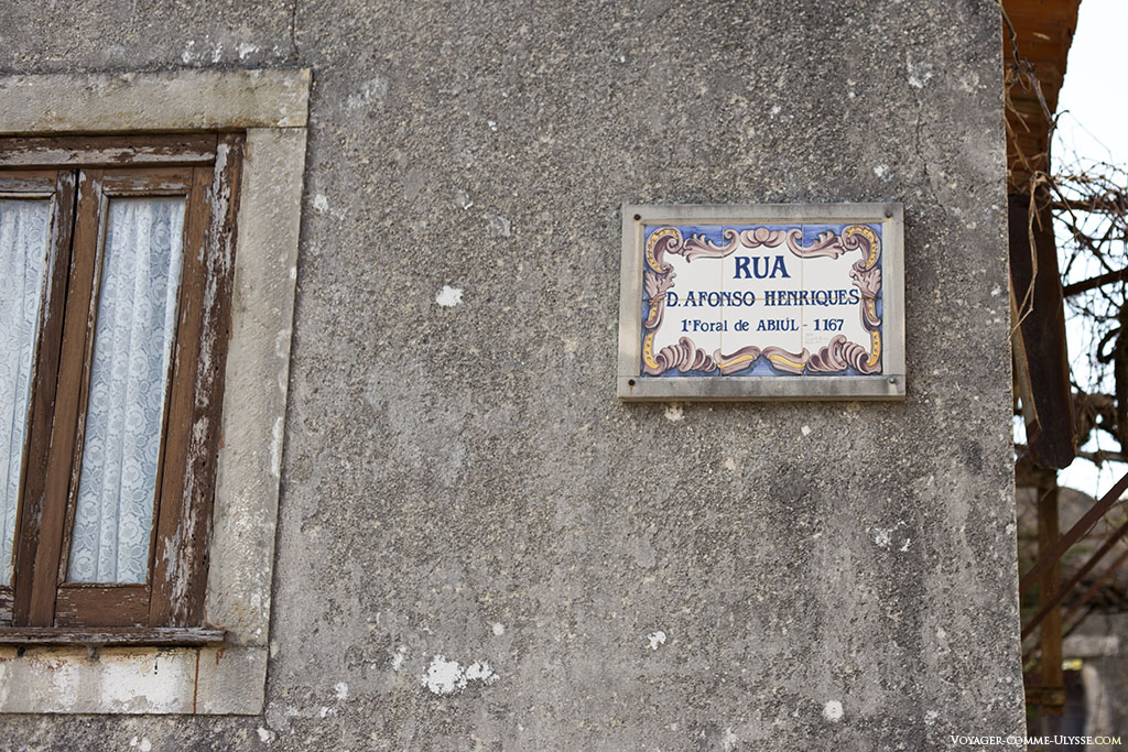 Rua D. Afonso Henrique, sur la plaque en azulejos du nom de la rue.