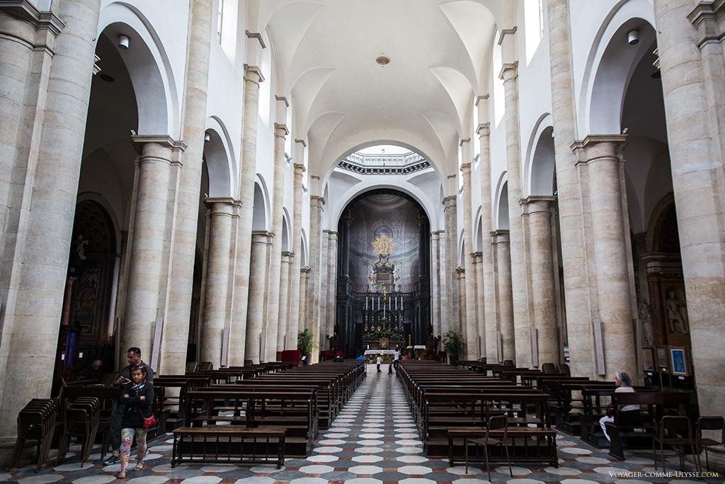 Nef centrale de la cathédrale