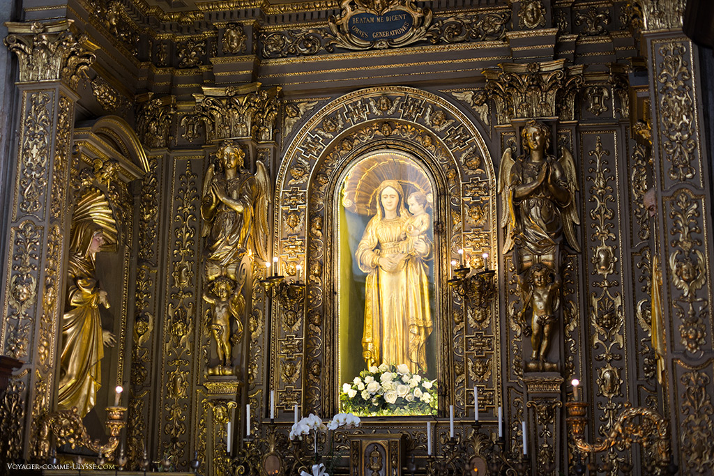 Première chapelle sur la droite, avec sa Madonna Grande. Il s'agit d'une statue qui vient de l'ancienne église de Santa Maria de Dompno.