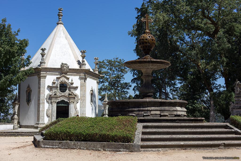 Terreiro dos Evangelistas, et sa grande fontaine centrale.