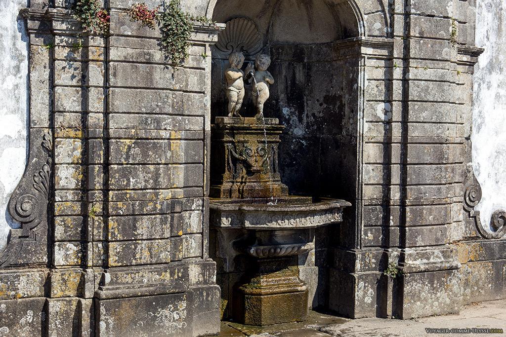Fontaine de la Charité.
