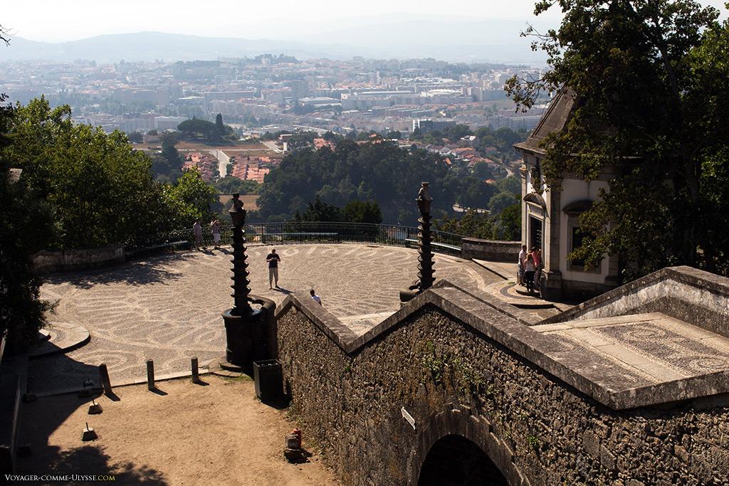 Du haut de la colline, la vue sur Braga est époustouflante.
