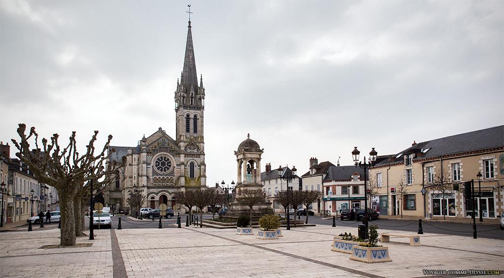 Eglise Saint Etienne de Briare sur la place de la République