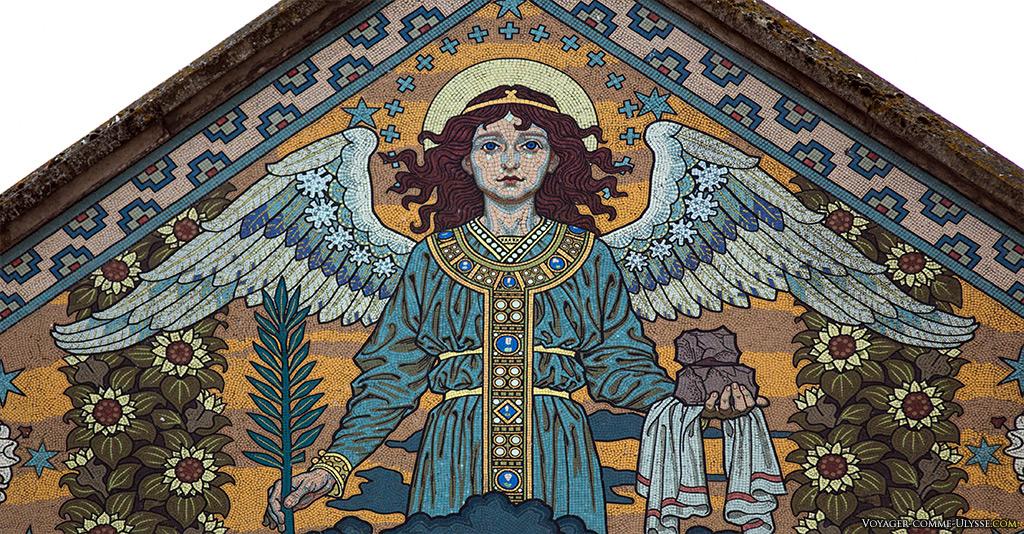 L'ange aux ailes déployées du martyre de saint Étienne  par Eugène Grasset