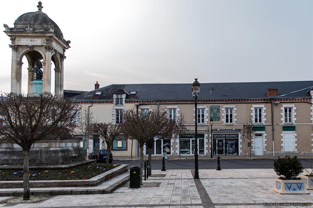 Place de la République à Briare