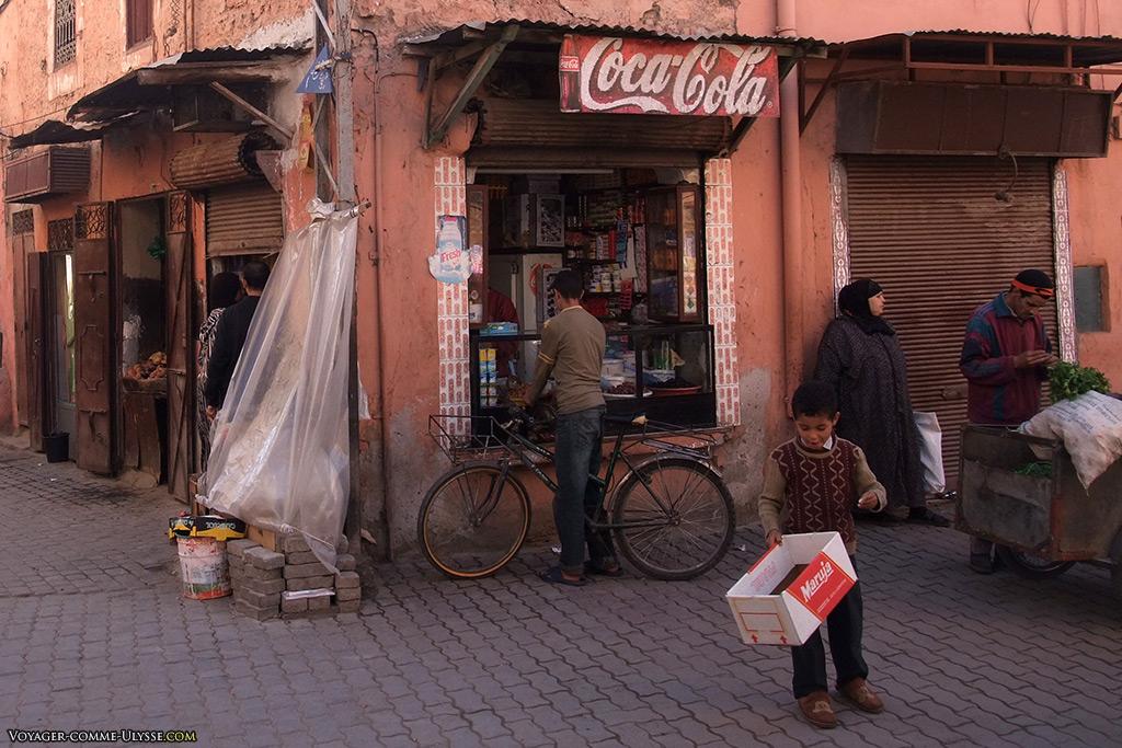 De nombreux points de vente ne sont que de simples kiosques. Inutile de rentrer dans la boutique!