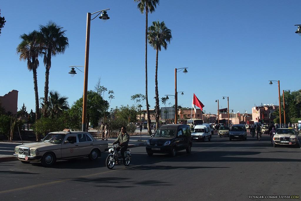 Grande rue de Marrakech.