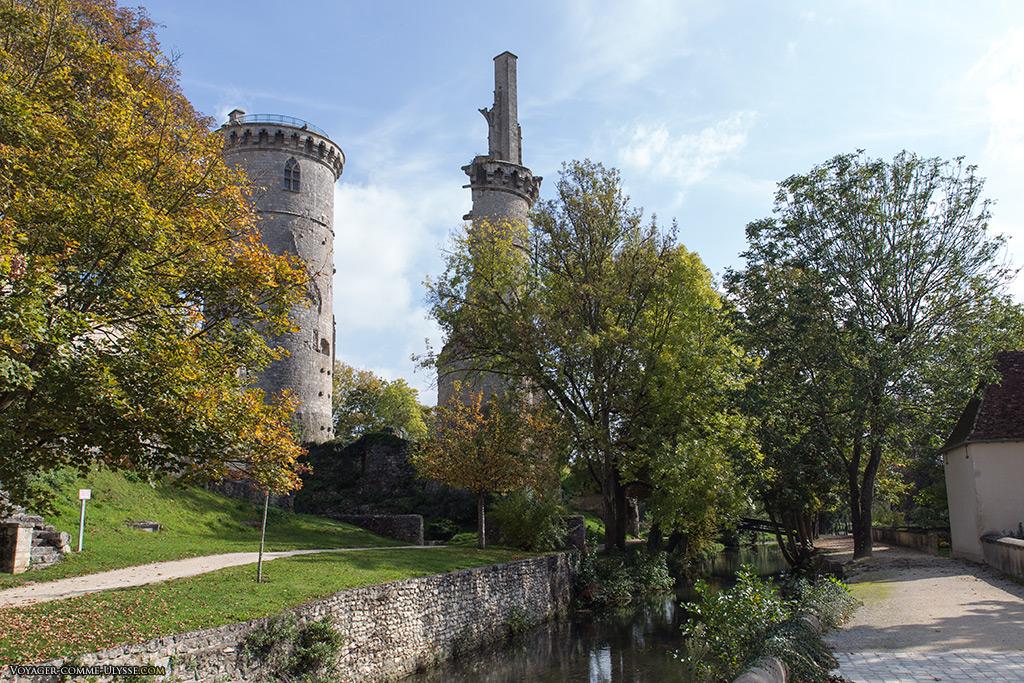 Le Château, vu des Jardins.