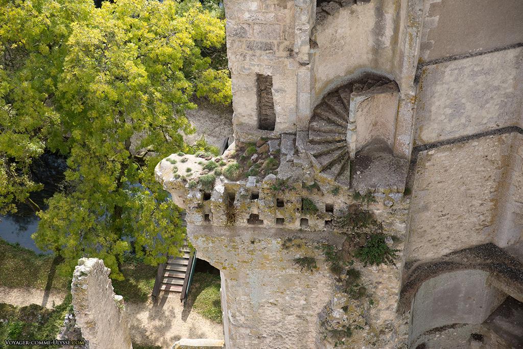 Cet escalier de la tour Ouest ne va plus nulle part...