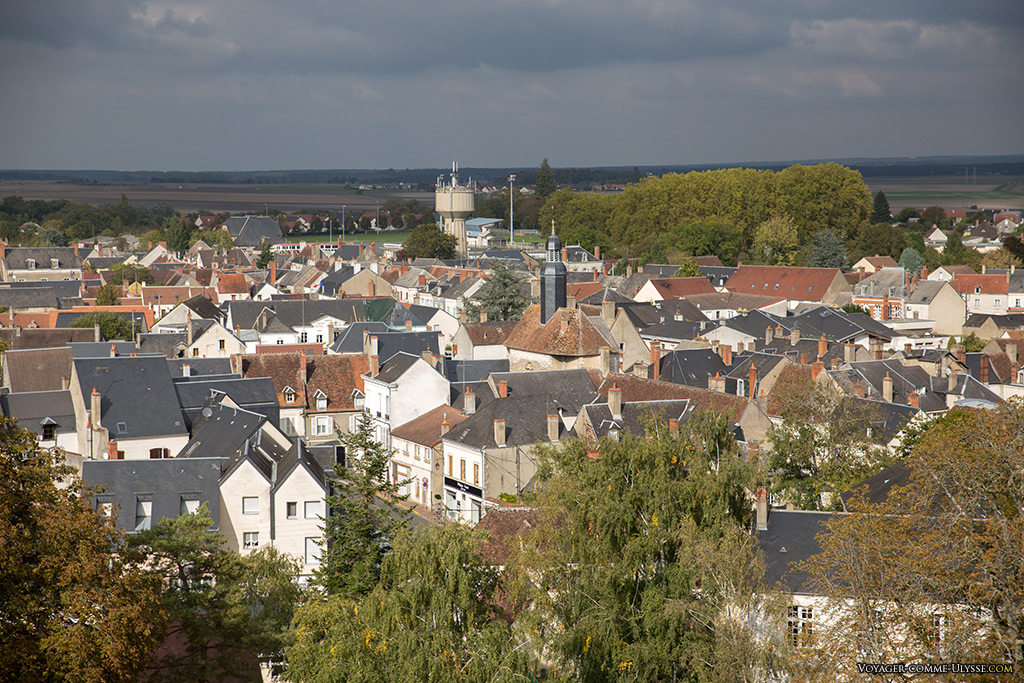Du haut du donjon, une vue unique de Mehun-sur-Yèvre.