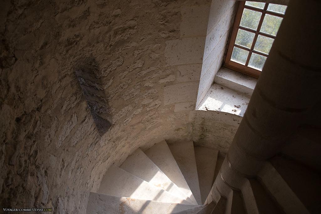 Les escaliers en colimaçon du donjon.