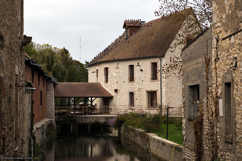 Demeure de rêve, en pleine ville de Mehun-sur-Yèvre.