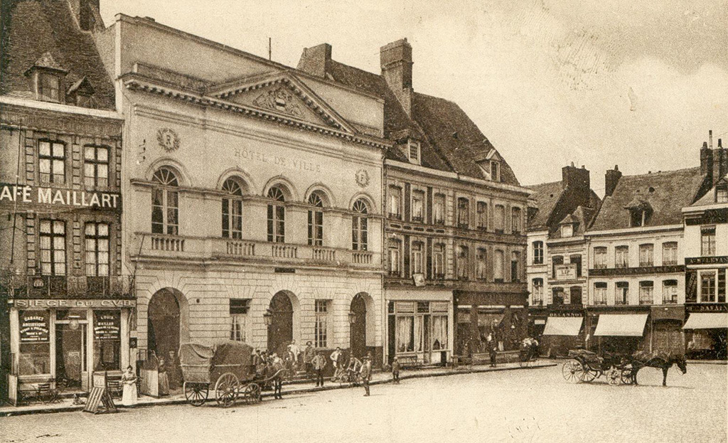 L'ancien hôtel de ville de 1811.