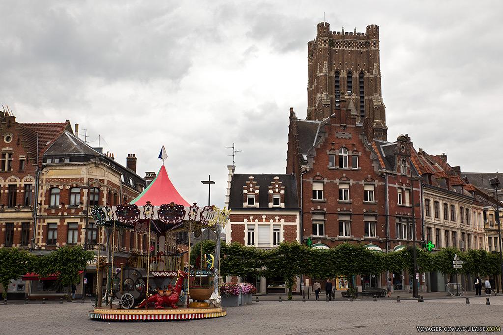 La Grand Place est toujours un lieu de vie fréquenté par les béthunois.
