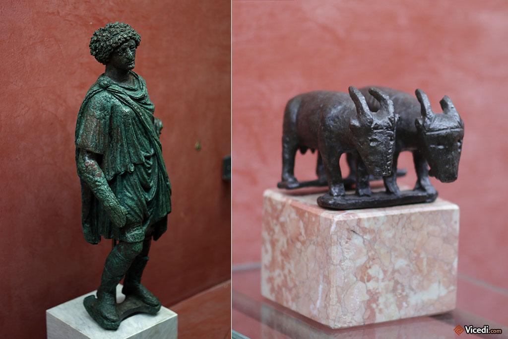 Petites statuettes. Ce type de statuette était souvent votive.