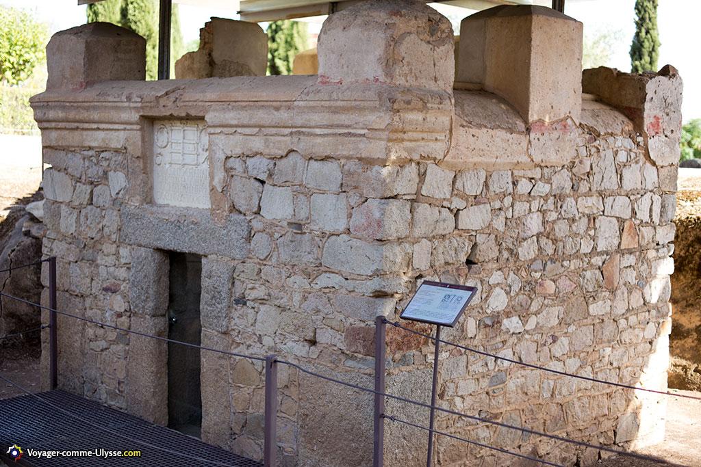 Mausolée des Voconio. Voconius est sans doute un des premiers vétérans installés à Augusta Emerita.
