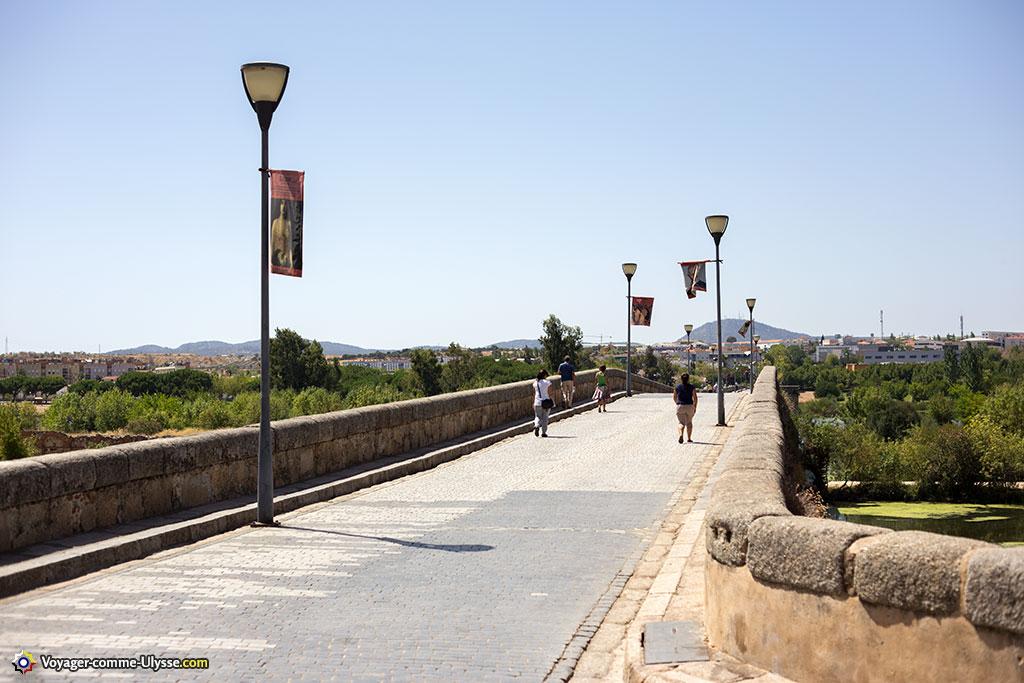 Ce n'est que récemment que le pont est devenu exclusivement réservé aux piétons.